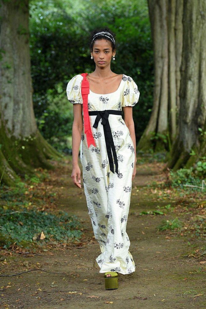 Robes à imprimé floral tendance pour le printemps 2021 4