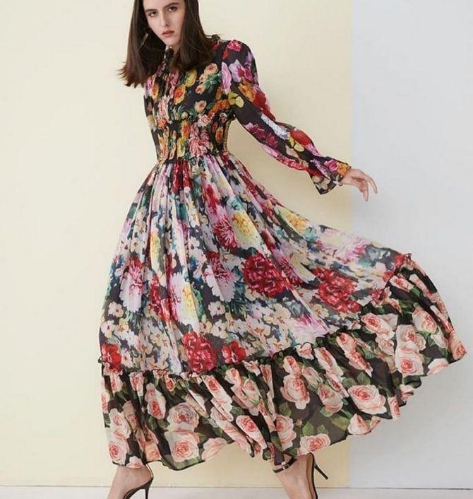 Robes tendance à imprimé floral pour le printemps 2021 18
