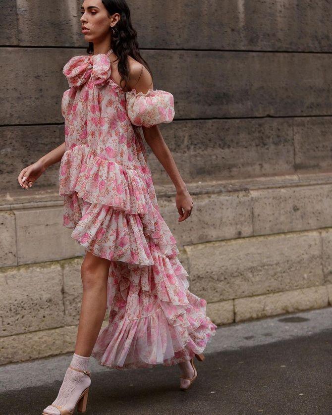 Robes à imprimé floral tendance pour le printemps 2021 25