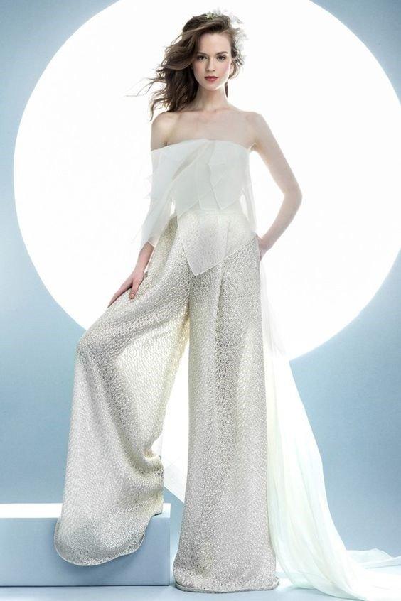 photo de robes de mariée : combinaison transparente