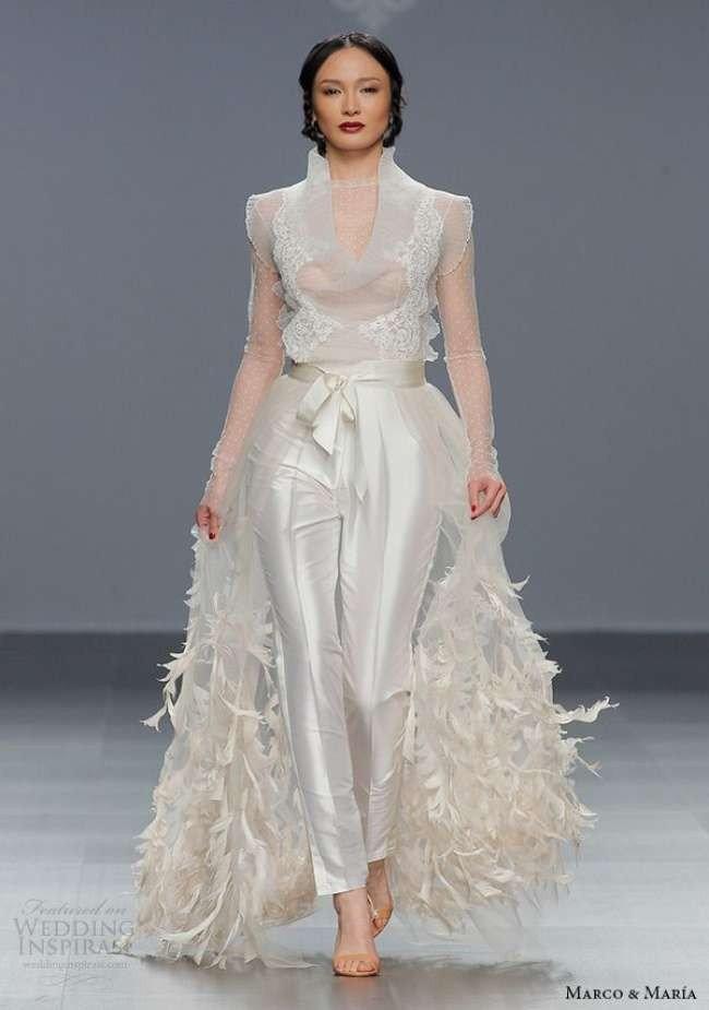 photo de robes de mariée : sertie avec décor