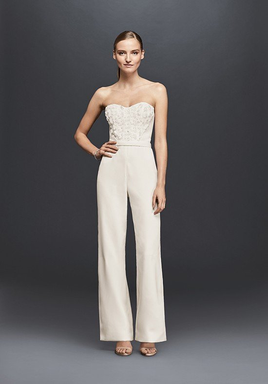photo de robes de mariée : combinaison blanche